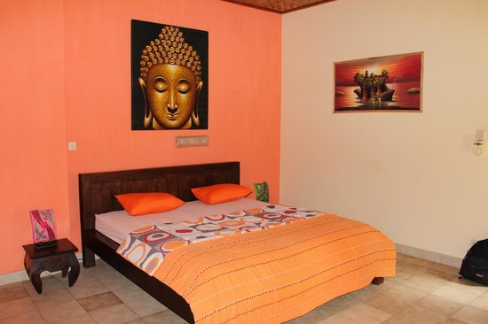 Kubu Pilatus Inn: Mooi en sfeervol ingerichte kamer