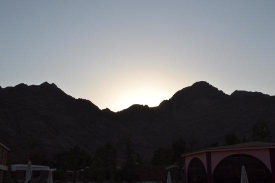 Morgenland Village : Matahari yang muncul dari balik gunung