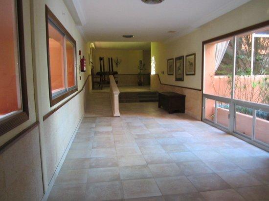 OLA Hotel Maioris : Couloirs
