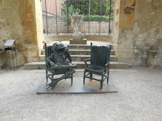 Pavillon de Vendome: La Grenouille Philosophe