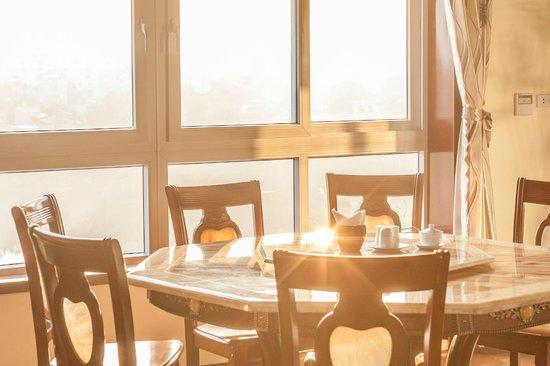 باو خان هوتل: Restaurant