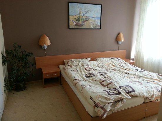 Hotel Jantar: Schalfzimmer