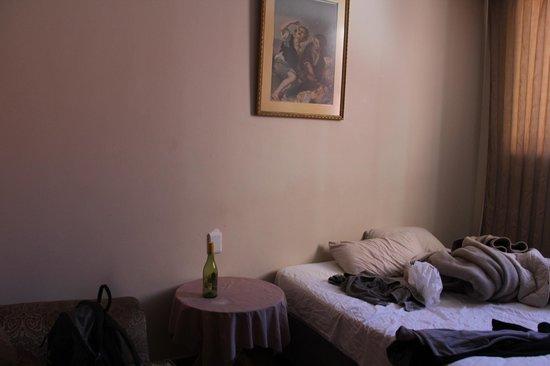 The Victoria Hotel : new room