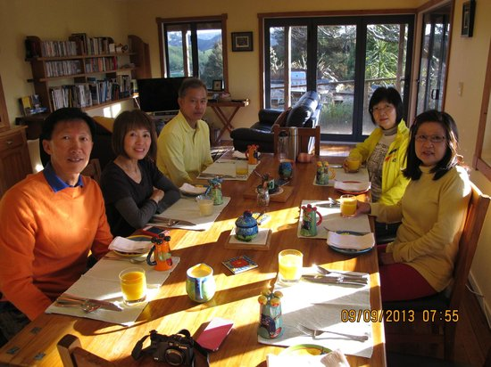 Abseil Breakfast Inn: the dinning table