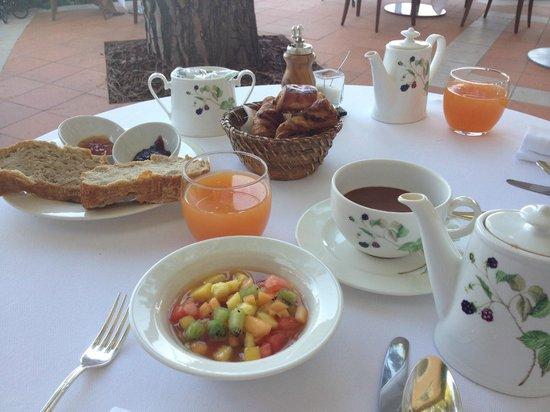Le Mas Candille : Petit déjeuner aussi bon que beau...