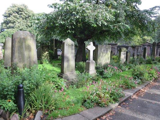 St Cuthbert's Church: graves