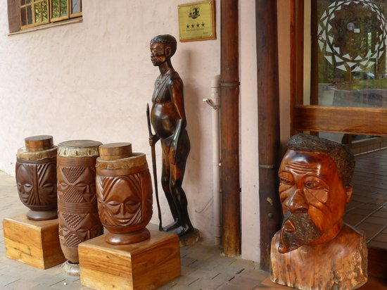 Cresta Mowana Safari Resort and Spa: Hoteleingang