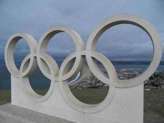 Premier Inn Weymouth Seafront Hotel : Olympic statue at Chesil Beach