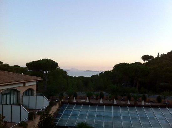 Hotel Restaurante Sa Punta : View out to sea at dusk