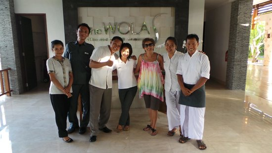 The Wolas Villas & Spa: Some of the great staff + 1 :)