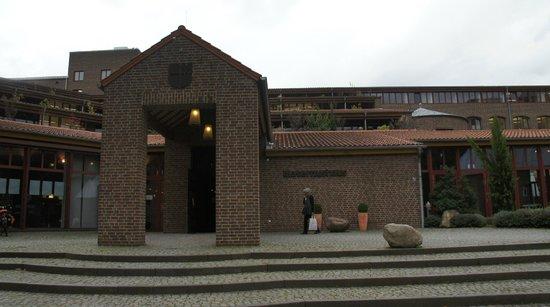 Maternushaus: Entrada frontal