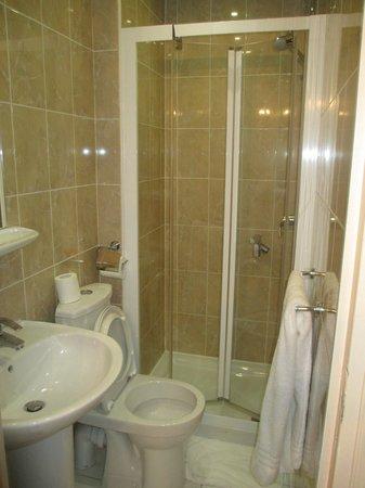 Hotel Modern: bagno camera