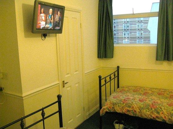 Pembroke Park Hotel: Room 2.