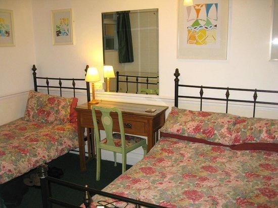 Pembroke Park Hotel: Our Room.(Room 2)
