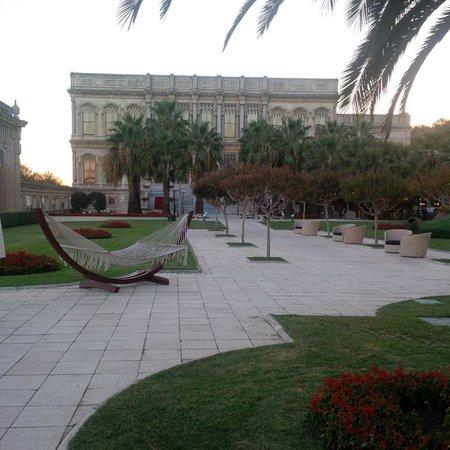 Ciragan Palace Kempinski Istanbul: Ciragan Palace and Hammock
