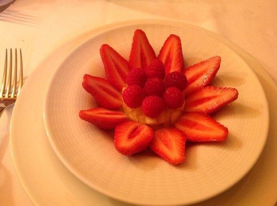 Restaurant La Marquiere: assiette de fruits frais