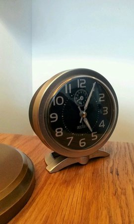 The Hardwick: retro clock
