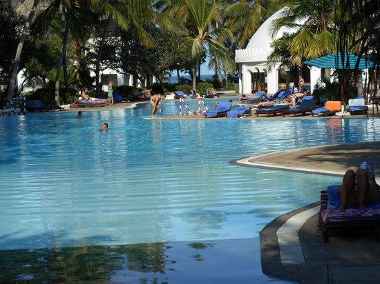 Southern Palms Beach Resort: la piscine