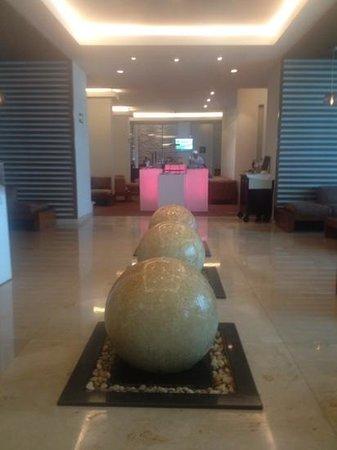 Sun Palace: Lobby Bar