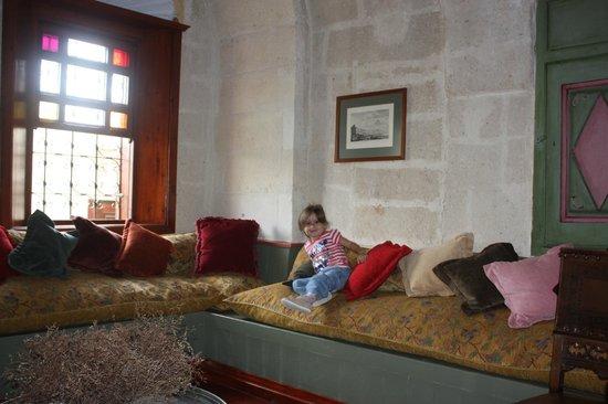 Gul Konaklari - Sinasos Rose Mansions: Gül Konakları salon