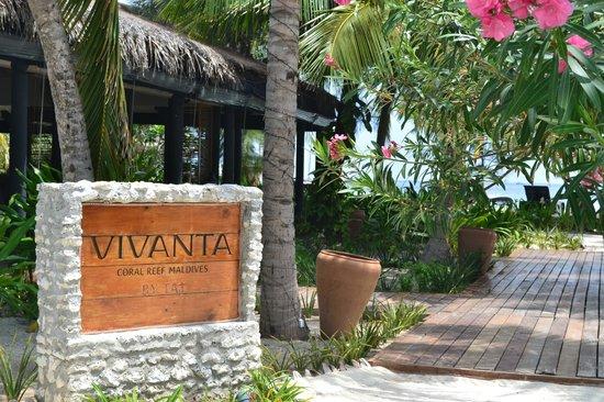 Vivanta by Taj Coral Reef Maldives: Entrance