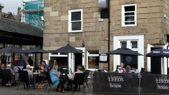 Leeds house Cafe