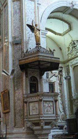 Basilique Notre-Dame-des-Tables: Pulpito
