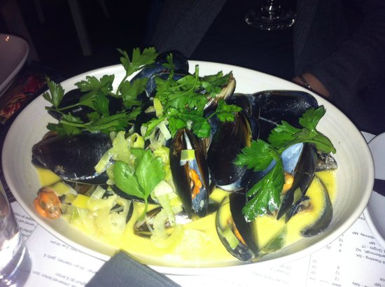 The Rocks: Mussel marinieres