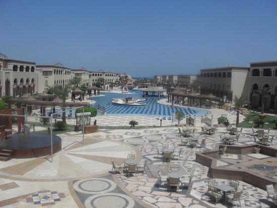 SENTIDO Mamlouk Palace Resort: view from lobby