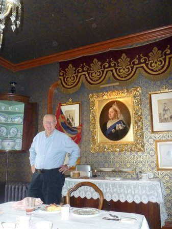 The Victorian Bed and Breakfast: Rog in the Dining Room