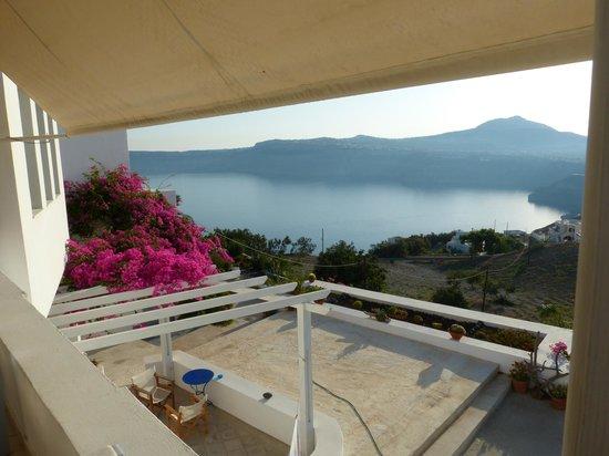 Apanemo : vue depuis la terrasse du petit déj
