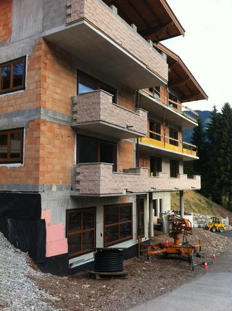 Berghof Hotel-Pension: Building 10th of August 2013
