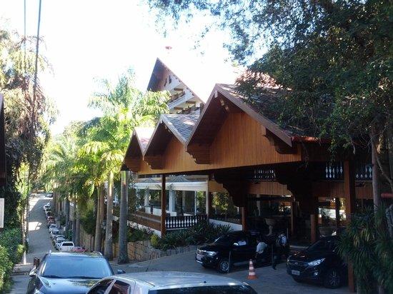 Hotel Alpina: Estilo