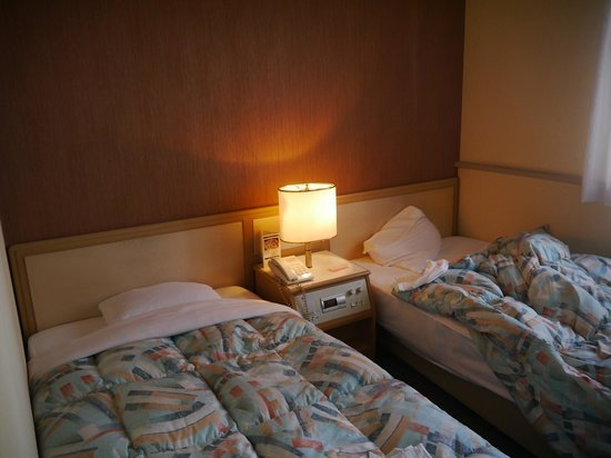 Takamatsu Washington Hotel Plaza: 部屋は狭いが寝心地は良い。