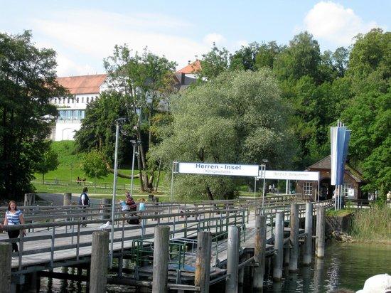 Chiemsee Schifffahrt: Anleger Herreninsel
