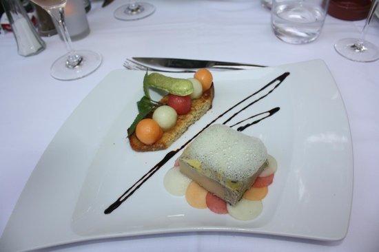 Le Vieux Four: Foie gras mariné au Muscat, confit à la graisse d'oie et pressé en terrine,  confit de melon et