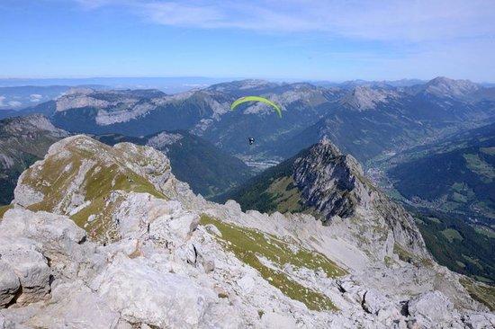 Vue de la chaîne montagneuse de la Tournette