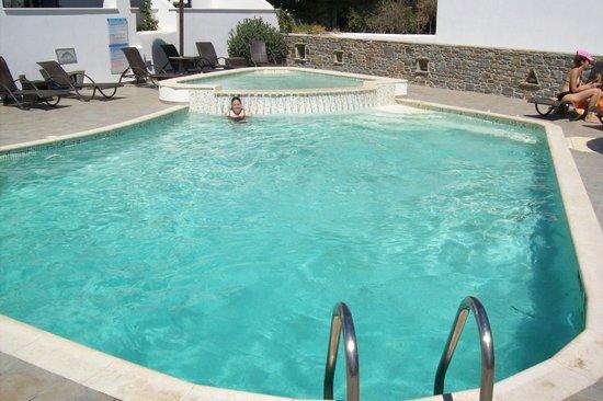 Liana Hotel: Pool