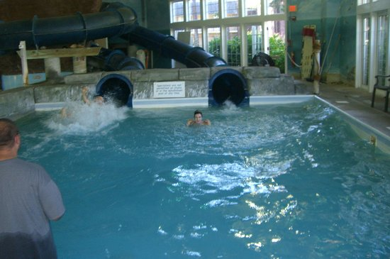 Cape Codder Resort & Spa: Indoor pool..