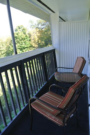 The Lake Inn at Mt. Sunapee: Our porch