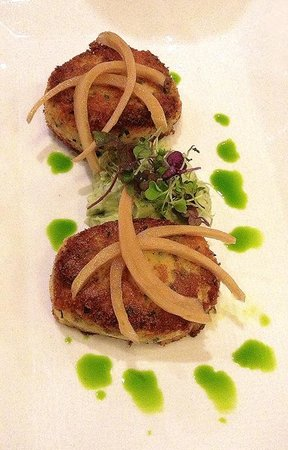 Sage Inn and Lounge: Crab Cakes