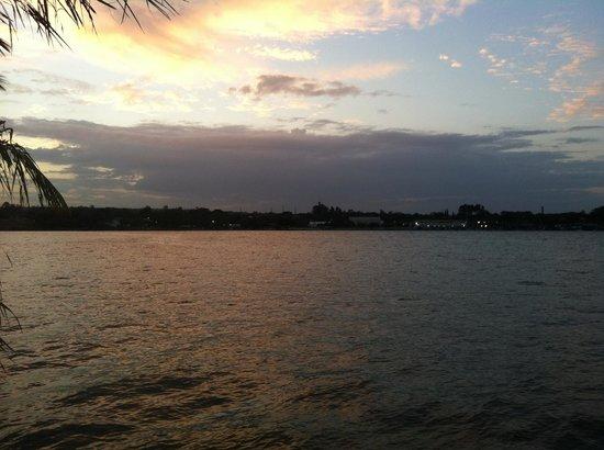 Bay Park Resort Hotel: Vista do lago