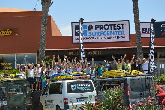 Protest Surfschool