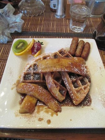 Ashton's Bed and Breakfast: Belgian Waffles Bananas Foster....YUM!