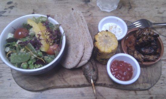Blue Sky Cafe: Bbq meat platter