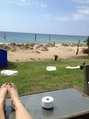 Arte Vida: View from the bar straight onto the beach