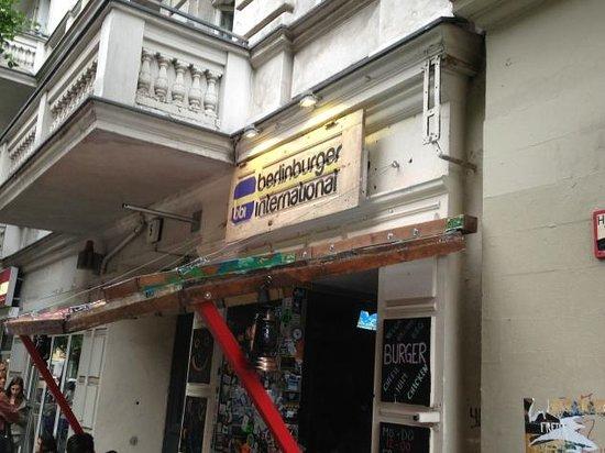 BBI - Berlin Burger International: Outside