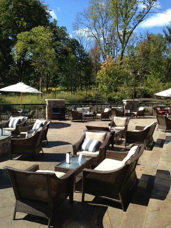 McLoone's Boathouse: Outdoor Patio