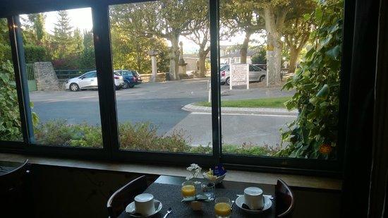Hôtel Sévigné : La salle de petit déjeuner