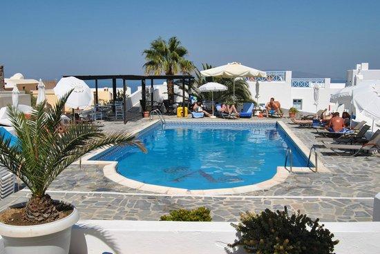 Aethrio Hotel: Pool